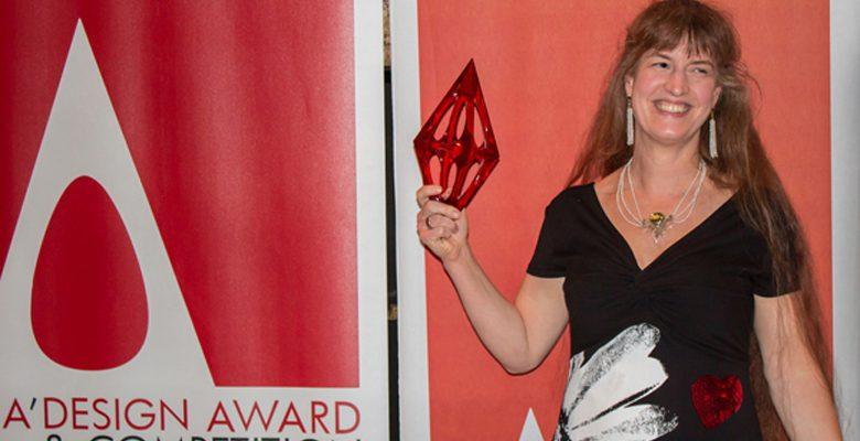 Die Designerin Britta Schwalm